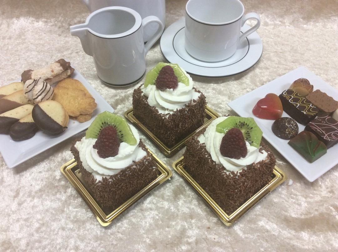 Slagroom biscuit gebakje - Bakkersonline