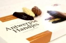Chocolade gevulde Antwerpse handjes - Bakkersonline