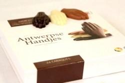 Chocolade caraque Antwerpse handjes - Bakkersonline