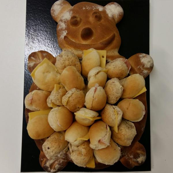 Verrassingsbrood feestdag basic - Bakkersonline
