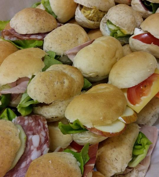 Sandwiches feestdag 10 stuks Belegd - Bakkersonline