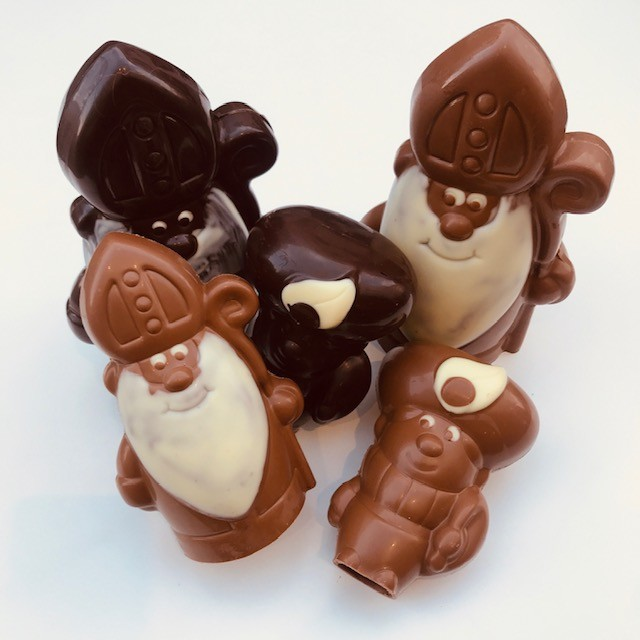 Chocoladefiguren Sint versierd - Bakkersonline