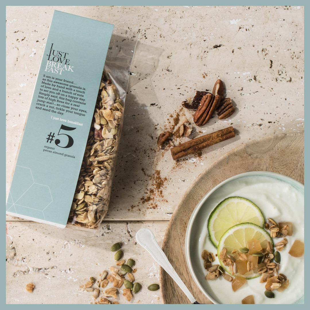 Granola I just love breakfast #5: pecan en almond - Bakkersonline