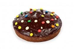 Cake chocolade met ganache en snoepjes - Bakkersonline