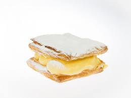 Mini cremekoek bloemsuiker - Bakkersonline